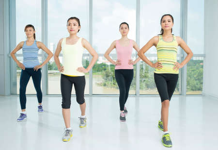 A group of young women in the aerobics class 版權商用圖片