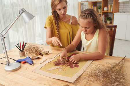 mum and daughter: DIY project