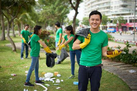 ベトナム ボランティアの肖像画