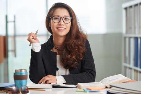 Vrolijke zakenvrouw