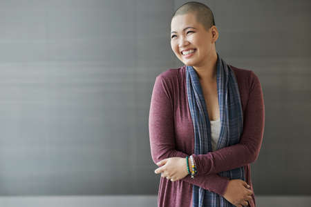 幸せなベトナム乳がん生存者の肖像 写真素材