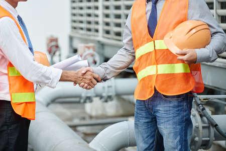 Handshake Standard-Bild - 81075061