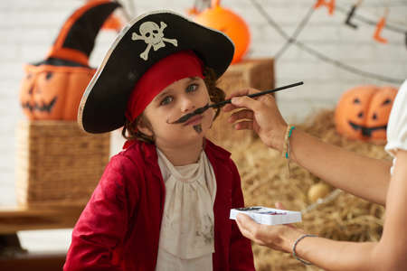 children painting: Little pirate
