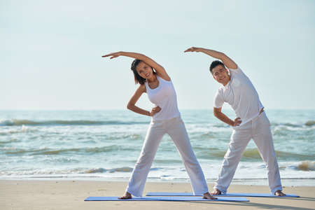 Exercising couple Banque d'images