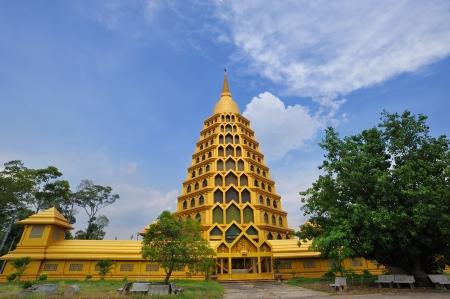 angthong: Golden Pagoda at Wat Tha-it , Angthong Province, Thailand Stock Photo