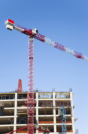 Tower crane with build