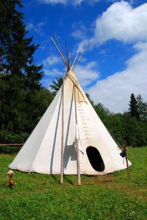 tepee: Native American sheleter - teepee