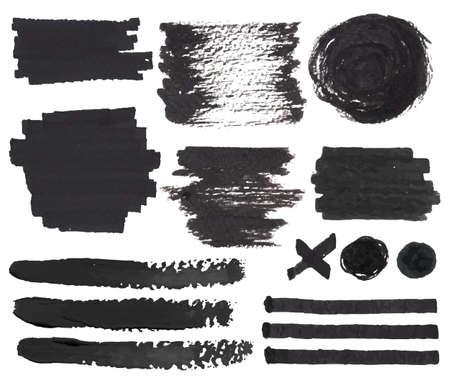 Vector conjunto de aislados en blanco sintió manchas punta del lápiz, golpe y marcas de pintura negro y elementos decorativos de tinta