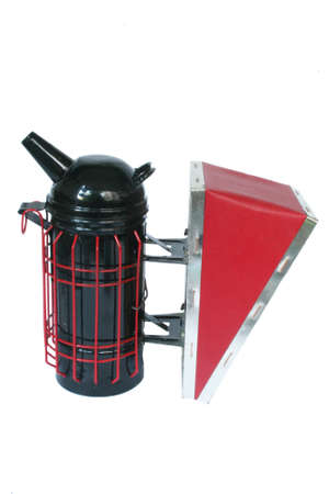 Smoke pipe device for repelling evil bees