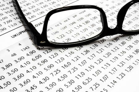 A sport betting odds list with glasses Standard-Bild