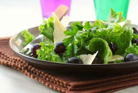rocket lettuce: snack salad with grapes and cheese