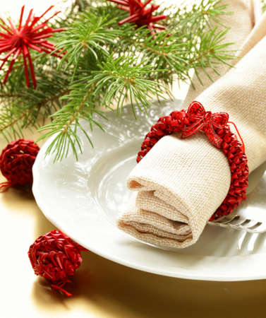 Holiday Decorations: Festive Christmas table setting