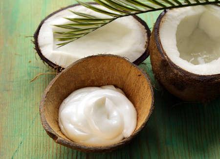 aceite de coco: crema hidratante crema de coco natural para la cara y el cuerpo