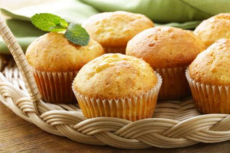 pasteles: pastas caseras, cupcakes de vainilla dulces para el desayuno
