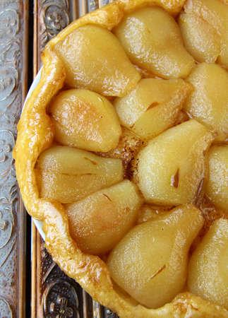 pear: Franc�s Tarte Tatin con peras y caramelo