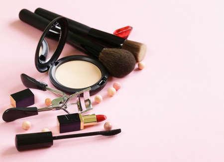 cosmetics set for make-up face powder, lipstick, mascara brush Banque d'images