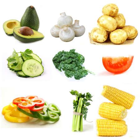 Surtido de verduras orgánicas orgánicas sobre un fondo blanco Foto de archivo - 95046507