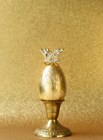 golden egg symbol of wealth Stok Fotoğraf