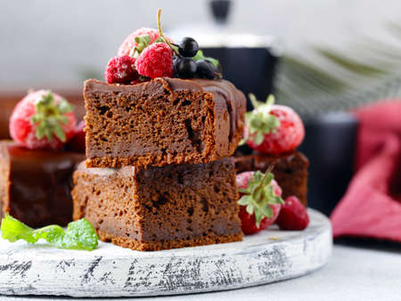 chocolate brownie cake with ganache Banque d'images - 118459851