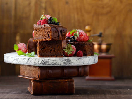 chocolate brownie cake with ganache Banque d'images - 118459852