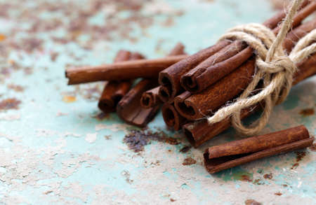 aromatic cinnamon spice for desserts and pastries Banque d'images - 118459928