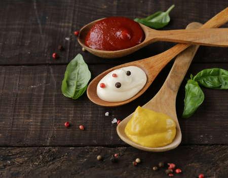 three variants of ketchup, mustard and mayonnaise sauce Banque d'images - 118459940