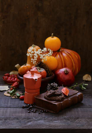 autumn still life with pumpkins and berries Banque d'images - 118460155