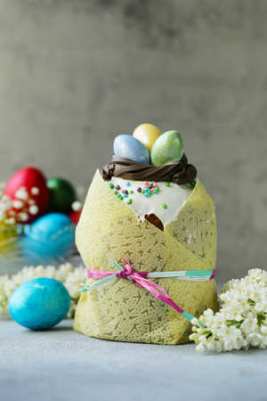 traditional easter cake muffin with sugar icing Stok Fotoğraf - 137895833