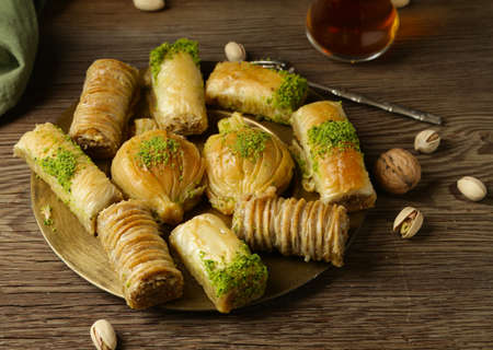 traditional oriental sweets baklava with nuts Stok Fotoğraf - 137896081