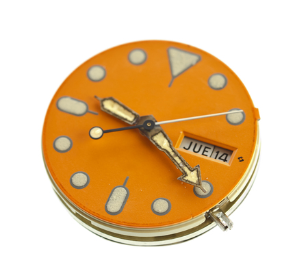 Wristwatch are checked and maintained.(Choose a focal point.)