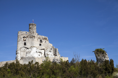 Ruins of the castle in Mirow next to castel in Bobolice. Castle in the village of Mirow in Poland, Jura Krakowsko-Czestochowska. Castle in eagle nests style. Built during the reign of Kazimierz Wielki. Stock Photo