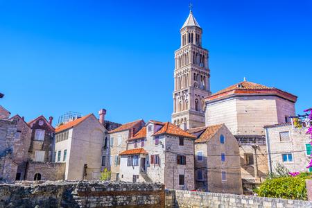Mening bij Paleis Diocletian, oud roman oriëntatiepunt in stadssplit, Kroatië. Stockfoto