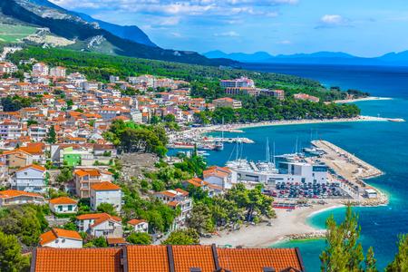 バスカ ヴォーダの風景、クロアチアのダルマチア地域の空中写真。