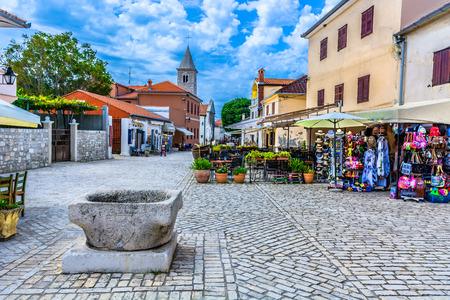 クロアチア、ヨーロッパにおける忍町のカラフルな景色。
