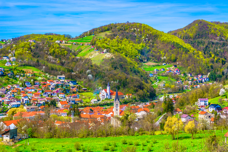 Scenic view at Krapina picturesque town in springtime, Zagorje. 版權商用圖片 - 109519387