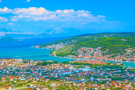 Aerial view at picturesque cityscape of town Vinisce in Croatia, Mediterranean. 版權商用圖片