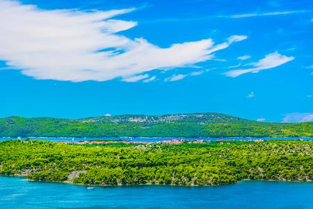 Scenie view at marble islands in Sibenik Riviera, Dalmatia region. 版權商用圖片