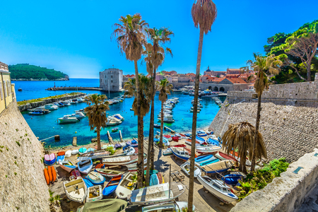 Scenic view at marble beach in Dubrovnik old town, Southern Croatia. 版權商用圖片 - 118446031
