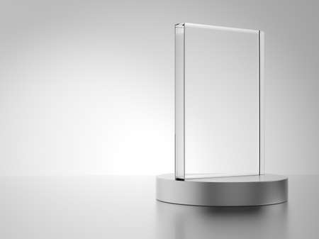 vaso vacio: Premio de cristal aislado en fondo blanco