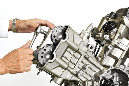 carburetor: Maintenance of the motorcycle engine