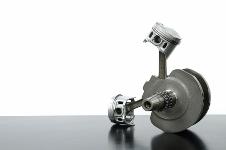 v cycle: Crankshaft and piston
