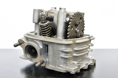 Motorcycle engine cylinder head Imagens