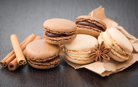 Macaroons with cinnamon photo