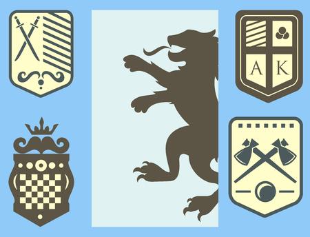 Lion héraldique crête royale chevalier médiéval silhouette roi vintage symbole héraldique château insigne vector illustration. Insigne historique couronne luxe ornement graphique. Banque d'images - 87213674