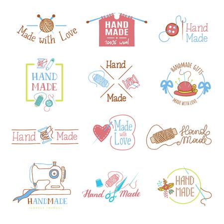 Fatti a mano logo vettoriale lana ferri da maglia o cucito artigianato hobby laboratorio logotipo illustrazione set di maglieria lanosa all'uncinetto ed etichetta cucito a mano isolato su priorità bassa bianca