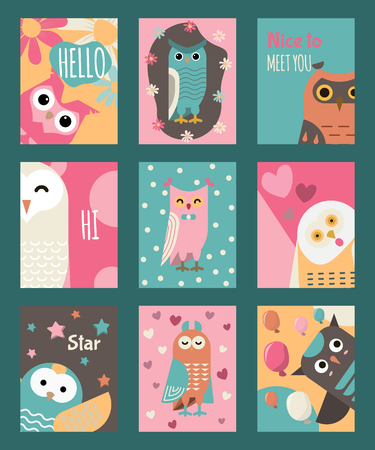 Owl set of cards or banners vector illustration. Hello, hi, how are you. Cute cartoon wise birds with wings of different color for greeting cards. Nice to meet you. Baloons, stars, flowers, confetti. Foto de archivo - 124023714