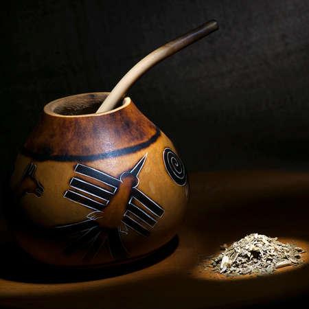 yerba mate: Todavía técnica del pincel luz calabaza calabaza tradicional y yerba mate
