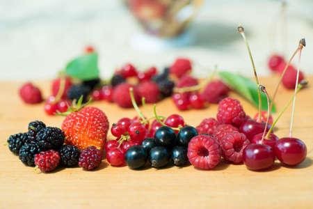Mix aus reifen Bio-Beeren close up