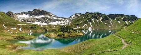 アルプス山脈の高いリモート湖があります。Schrecksee。