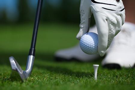 golf glove ball club tee golfplayer close-up